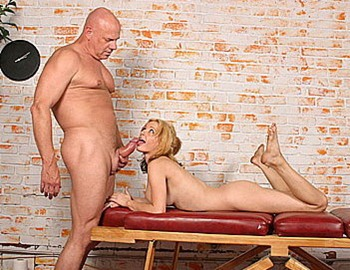 gorgeous blonde deepthroating hard old cock