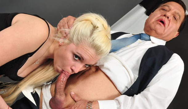 suck the daddy's cock